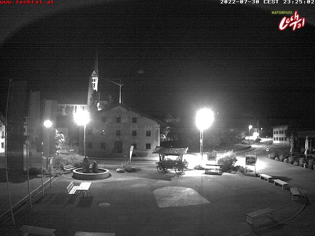 Webcam Dorfplatz Holzgau